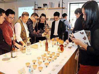高岡の歴史・文化に触れる 中国の視察団