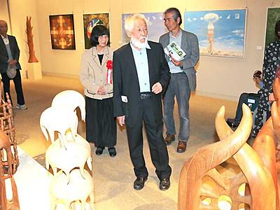 独から伊那に移住、節目の作品展 彫刻家と画家の加藤夫妻