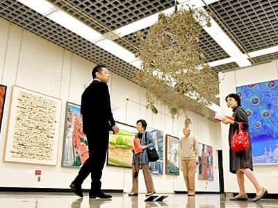福井県総合美術展が開幕 県立美術館、大学生以下入場無料