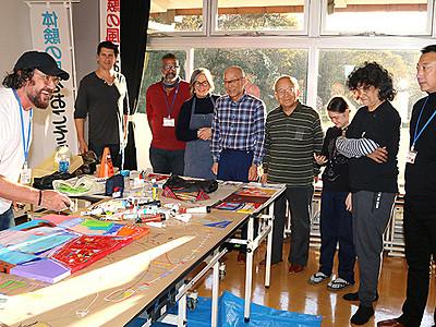 7カ国10人公開制作 とやま国際アートキャンプ