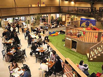 子育て世代集う「Hiroba」 長野に商業施設オープン