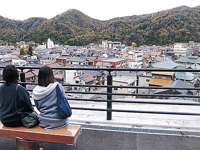 愛称は「山中節の見える丘」 山中温泉の展望広場