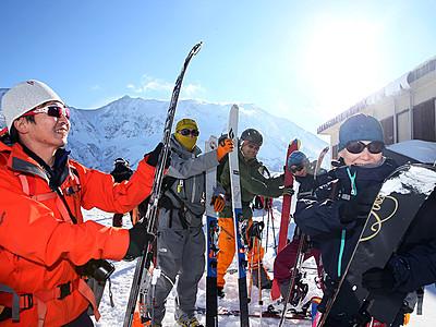 新雪パウダースノーが人気 立山