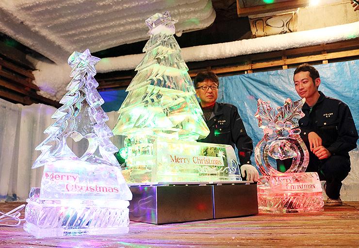高岡冷蔵が販売を始めた氷の彫刻。照明や氷の受け皿も貸し出す
