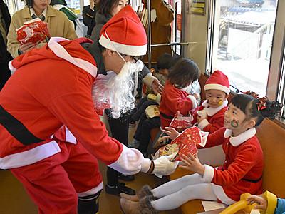 笑顔運んで1時間 上田電鉄別所線で「サンタ列車」