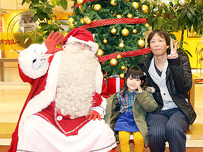 公認サンタがやってきた! 富山市でフェスタ