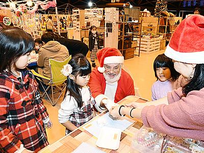 雑貨やスイーツ人気 16日まで高岡でクリスマスフェスタ