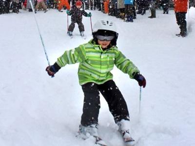 妙高にもシーズン到来 スキーヤー満面の笑み