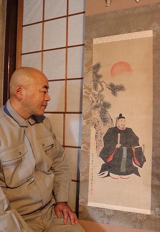 太田会長が出品する堀川敬周筆の軸