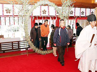 無病息災願い茅の輪くぐり 日枝神社で年越の大祓