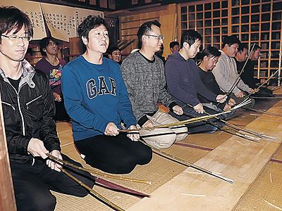 柳ふるって厄よけ祈願 輪島・重蔵神社で成祝式