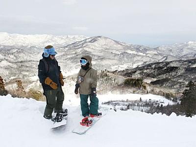 三川・温泉「滑れます」 スキー場今季の営業開始 阿賀