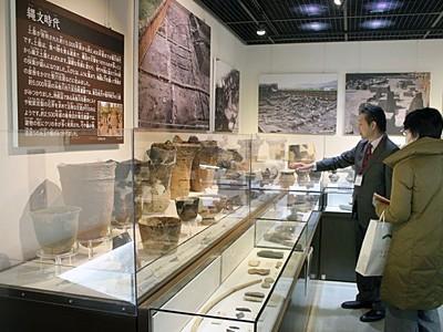 古代の逸品間近に 新潟県埋文センター展示リニューアル