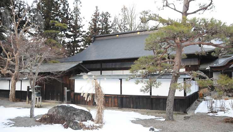 「そば切りの歴史と文化を学ぶ会」が開かれる大桑村の定勝寺本堂