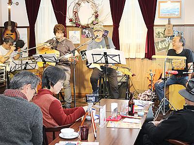 プロ・アマが多彩な演奏 飲食店12カ所でライブ、高岡