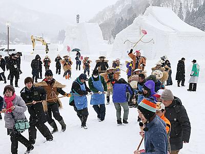 利賀でそば祭り開幕 山里の冬 活気呼ぶ