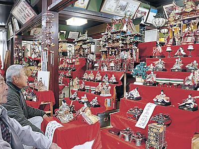 小松で雛人形展 大正から平成の20組飾る