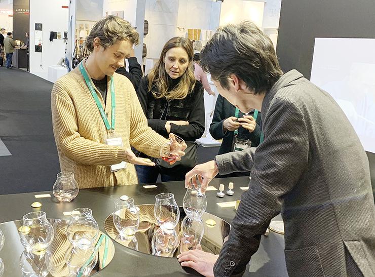 国際見本市で好評を得た四津川製作所の新作ワイングラス=ドイツ・フランクフルト