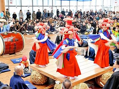4年ぶり伝統の舞 福井で「睦月神事」華やか