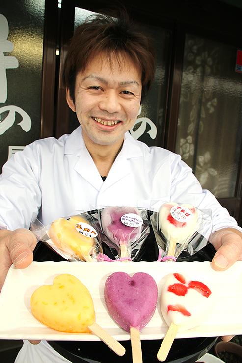 開発した3種類の氷菓を紹介する苗代さん