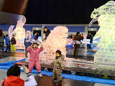 長野で氷の彫刻展 きょうまで展示