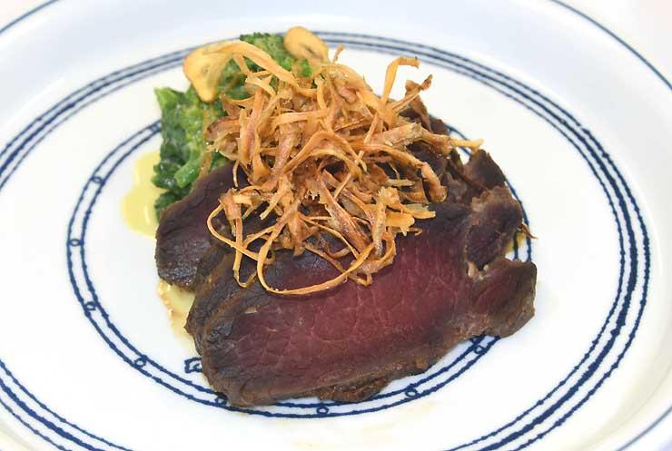 最優秀賞に選ばれた料理「鹿肉の七福味噌漬け」