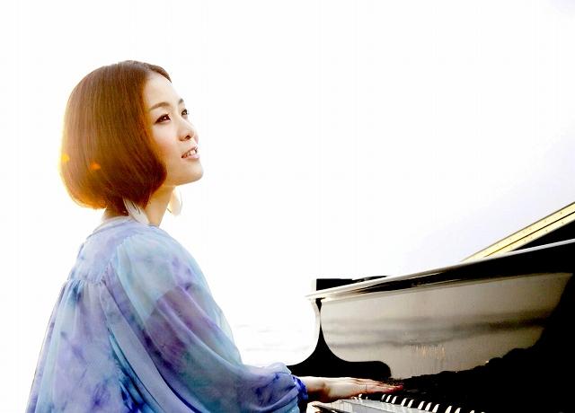 デビュー10周年記念コンサートを地元で開くヒナタカコさん
