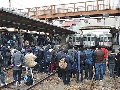 O6編成、ありがとう 須坂駅でお別れ会、ファンら集う