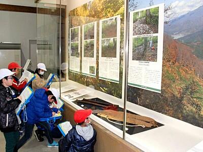 八十里越の道歴史をたどる 三条で遺跡発掘調査展