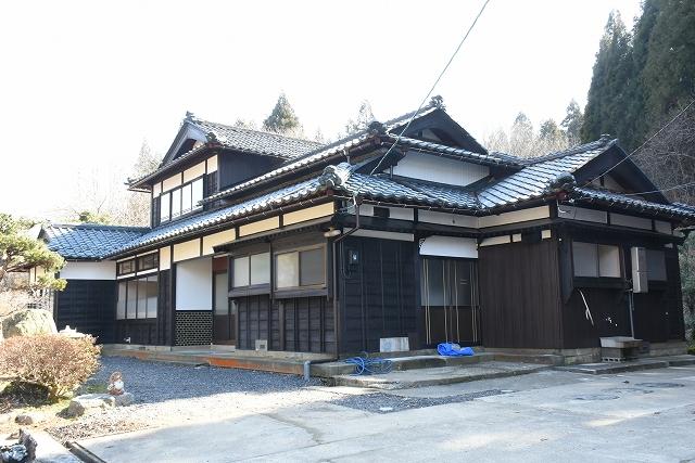 木造の古民家を改修した「白山さんち」=福井県越前市上杉本町