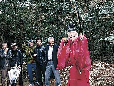 豊作願い的打ち 珠洲・須須神社で神事