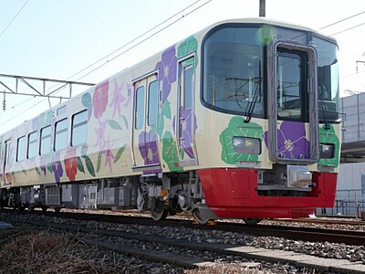 トキ鉄周遊で満喫しよう 5月2日、貸し切り列車ツアー