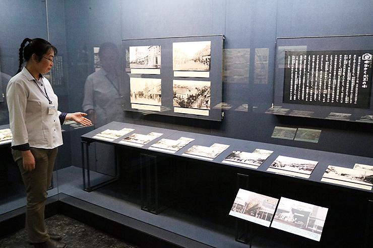 富山市中心市街地の変遷をたどる写真が並ぶ企画展