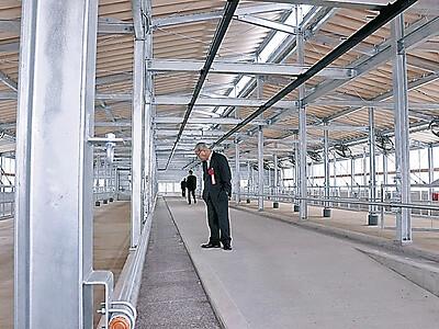 新しい肥育舎完成 能登牛実験農場に