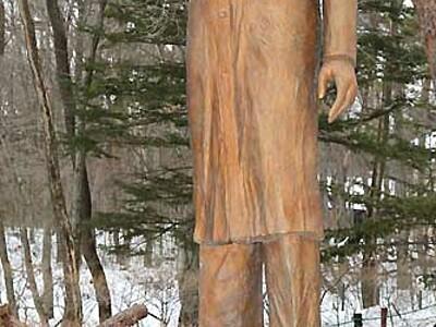 ホームズの魅力、軽井沢で 展示や講演企画、彫刻像ある縁で