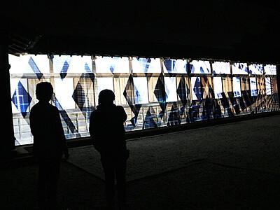 高岡の歴史映像で表現 瑞龍寺ライトアップ試験