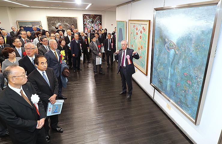 県内外の作家の秀作を紹介する「改組新第5回日展富山展」=県民会館