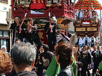即位祝い格納庫開放 来月1日、新湊・海老江・大門の曳山