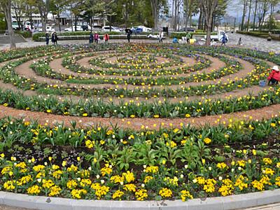 千変万化、円形花壇が完成 安曇野の三郷文化公園