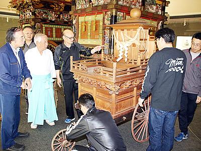 29日、神迎えに御所車使用 八尾曳山祭に向け東町