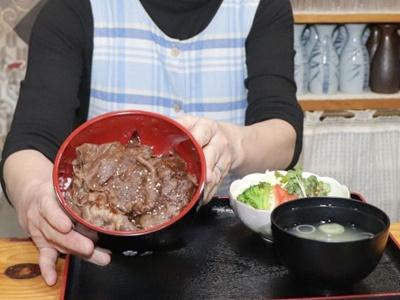 山古志の和牛召し上がれ 食堂やまびこ すき焼きなど提供