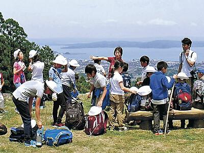 国史跡七尾城跡 横浜の児童が修学旅行