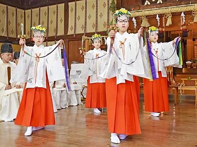 三国祭開幕、優雅な舞 福井・坂井、20日山車巡行