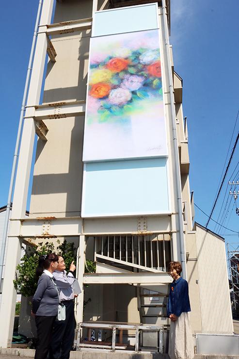 荒木さんの作品を原画として制作された加藤さん宅のパネル