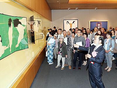 「中島千波の世界」展開幕 県水墨美術館
