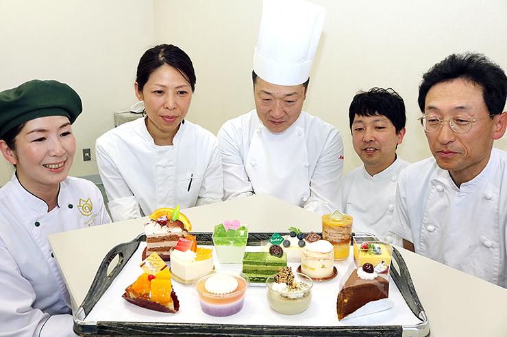 空中カフェ提供されるスイーツ=北日本新聞砺波支社