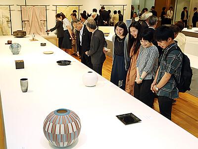 高岡で日本伝統工芸富山展開幕 感性光る168点
