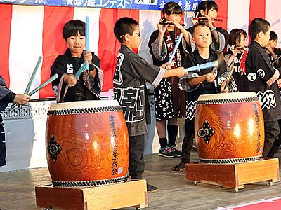 太鼓と笛 児童が競演 津沢夜高あんどん前夜祭 祭りムード盛り上げ