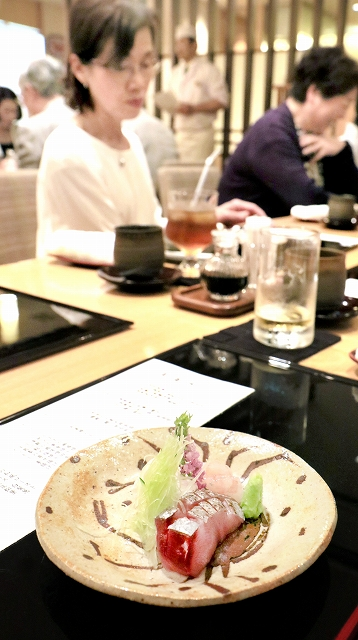 北大路魯山人がデザインした器に盛った旬の会席料理を楽しんだ催し=6月8日、福井県福井市のユアーズホテルフクイ内「日本料理橘」