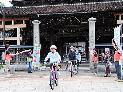 南砺でサイクリング祭 善徳寺発着33キロ快走